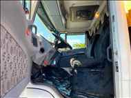 MERCEDES-BENZ MB 1620 60000km 2011/2012 Ativa Caminhões