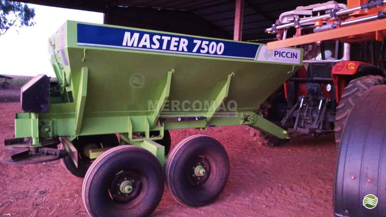 IMPLEMENTOS AGRICOLAS DISTRIBUIDOR CALCÁRIO 7500 Kg Mercomaq - JAN - GTS PRIMAVERA DO LESTE MATO GROSSO MT