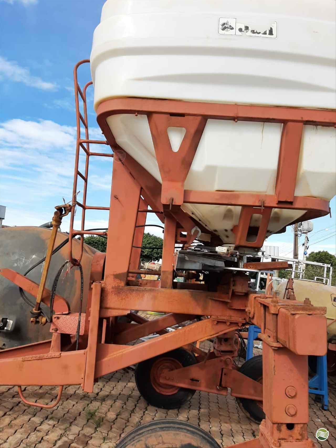 IMPLEMENTOS AGRICOLAS DISTRIBUIDOR CALCÁRIO 5000 Kg Guimáquina Implementos Agrícolas - Jacto RONDONOPOLIS MATO GROSSO MT