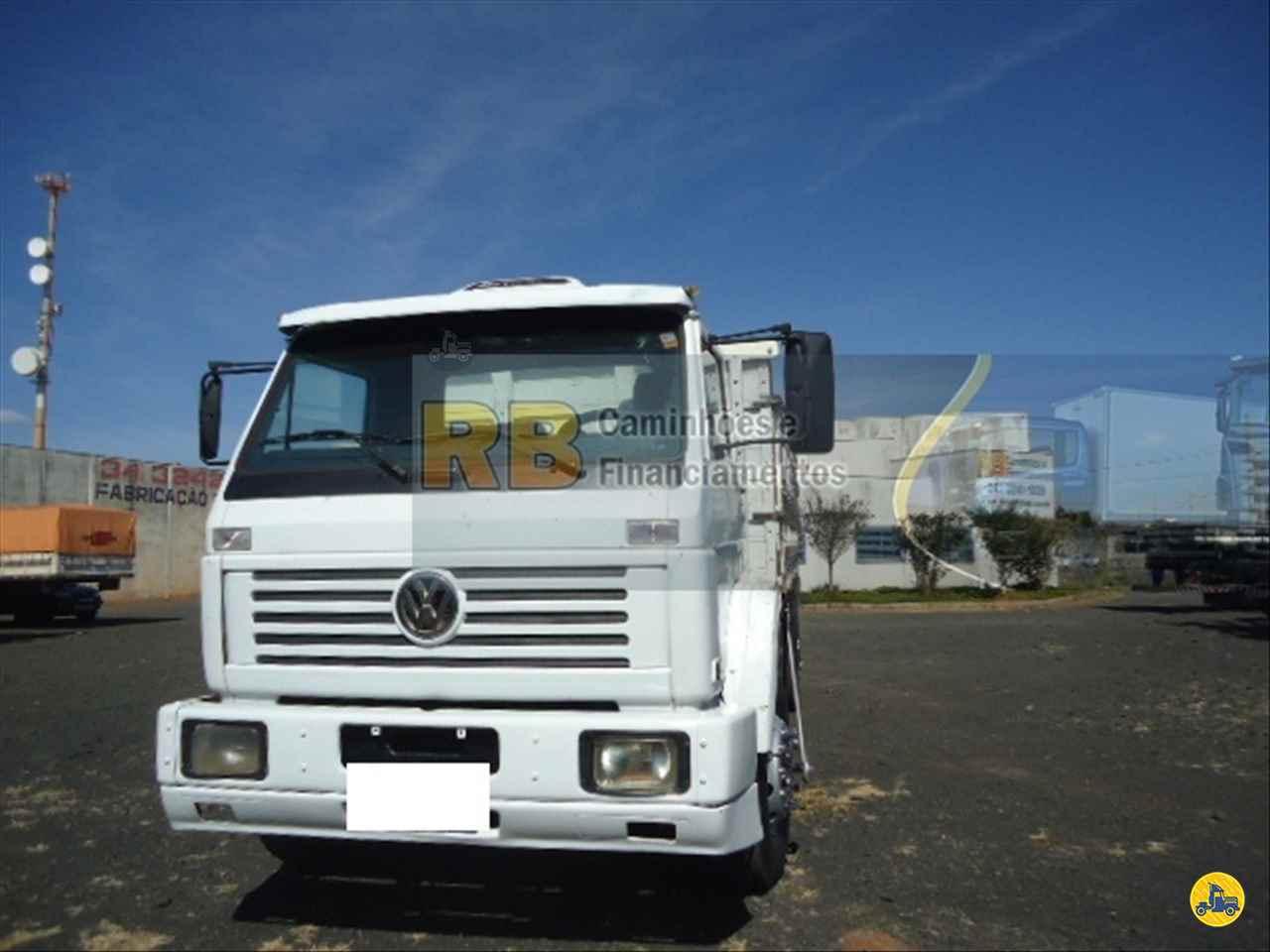 CAMINHAO VOLKSWAGEN VW 14220 Graneleiro Truck 6x2 RB Caminhões & Financiamentos ARAGUARI MINAS GERAIS MG