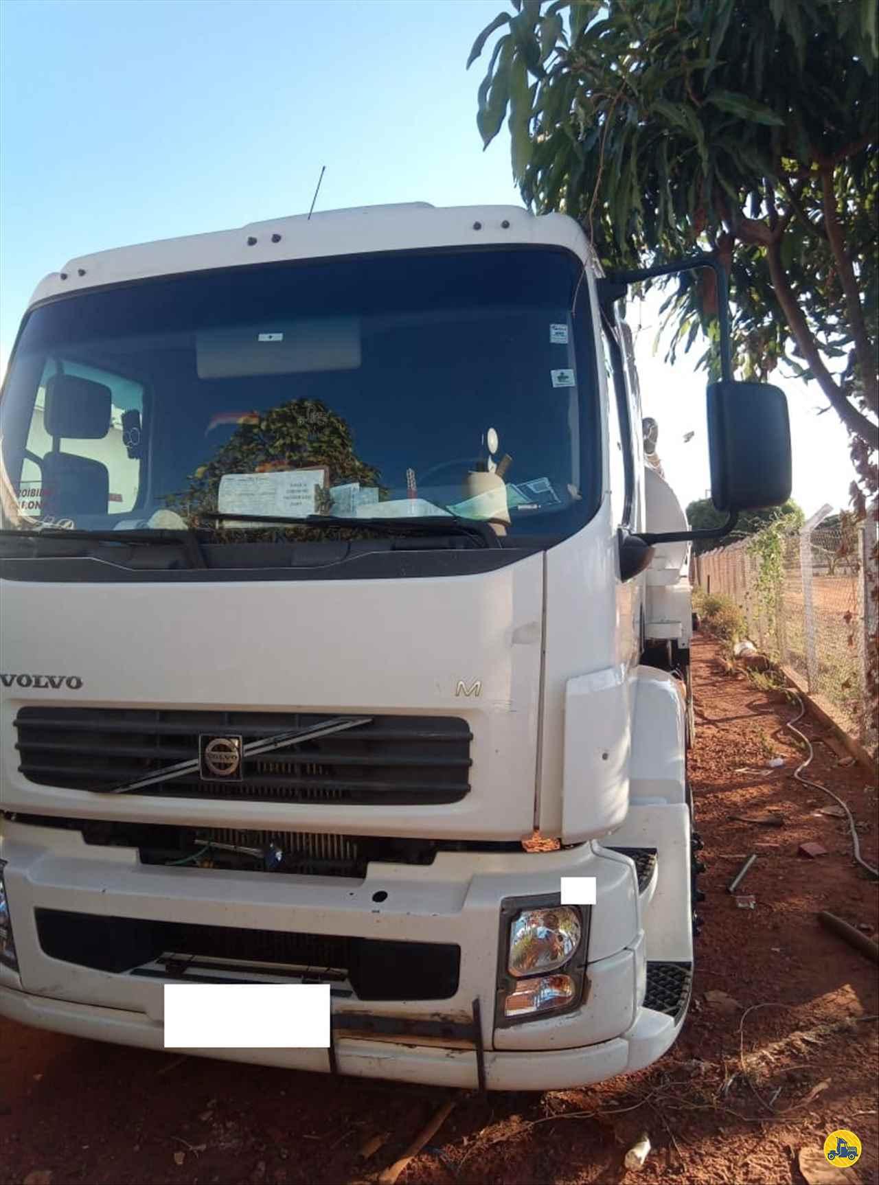 CAMINHAO VOLVO VOLVO VM 260 Tanque Aço Truck 6x2 RB Caminhões & Financiamentos ARAGUARI MINAS GERAIS MG