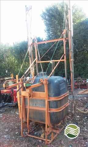 PULVERIZADOR JACTO CONDOR 600 AM12 Acoplado Hidráulico Campo Largo Tratores CAMPO LARGO PARANÁ PR