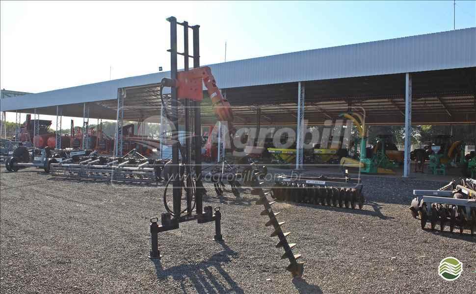 PERFURADOR SOLO PERFURATRIZ  20 AGROBILL Tratores & Implementos Agrícolas