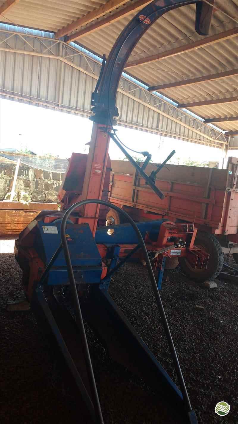 ENSILADEIRA ENSILADEIRA 1 LINHA  2006 P. M. Muller Maquinas e Implementos Agrícolas