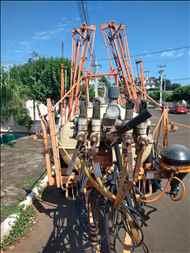 JACTO COLUMBIA CROSS  2000/2000 P. M. Muller Maquinas e Implementos Agrícolas