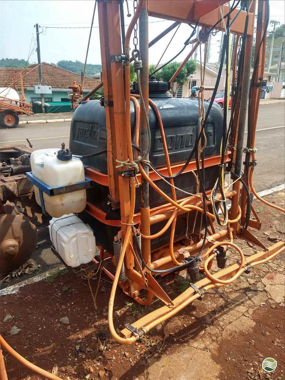CONDOR 600 M12 de P. M. Muller Maquinas e Implementos Agrícolas - SALTO DO LONTRA/PR