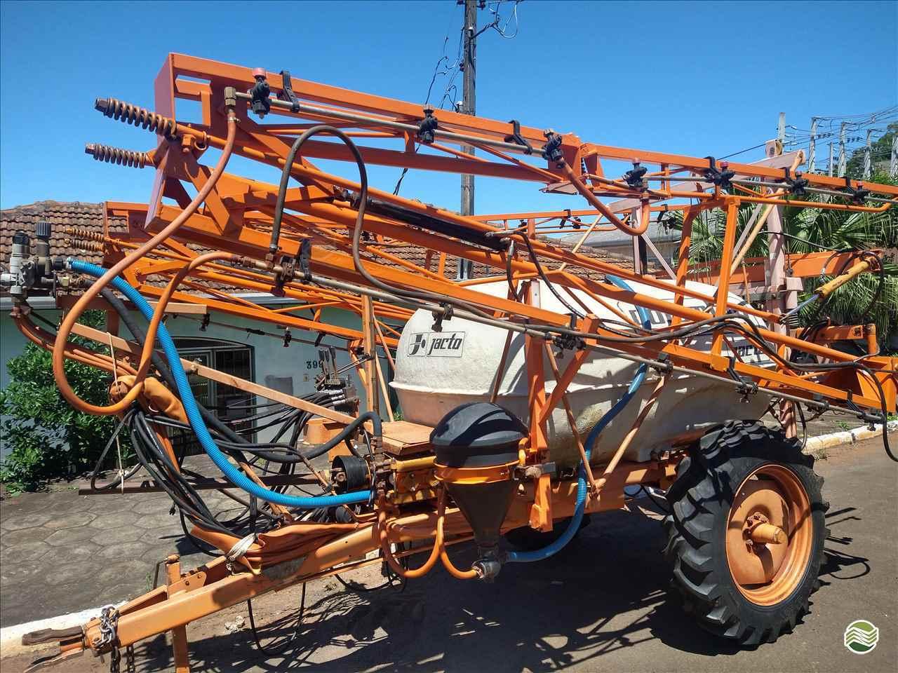 COLUMBIA AD18 de P. M. Muller Maquinas e Implementos Agrícolas - SALTO DO LONTRA/PR