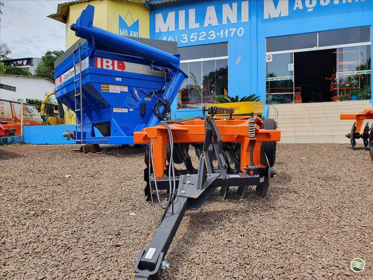 IMPLEMENTOS AGRICOLAS GRADE ARADORA ARADORA 14 DISCOS Milani Máquinas FRANCISCO BELTRAO PARANÁ PR