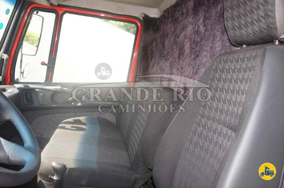 MERCEDES-BENZ MB 2324 619000km 2013/2013 Grande Rio Caminhões