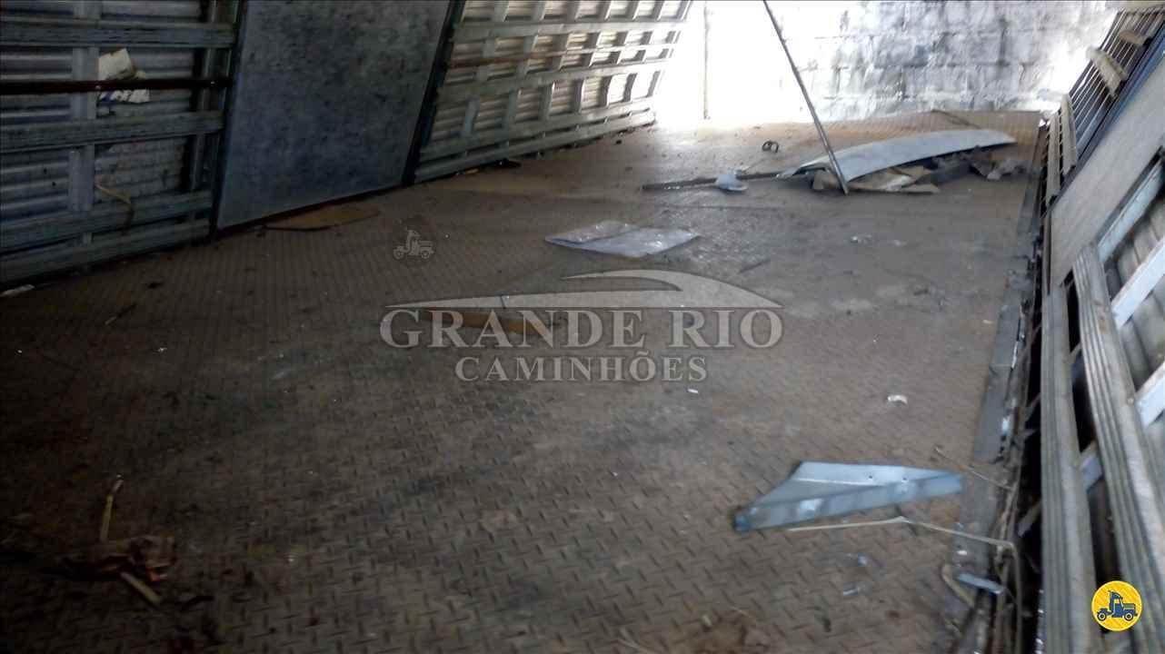 MERCEDES-BENZ MB 1319 134000km 2014/2014 Grande Rio Caminhões
