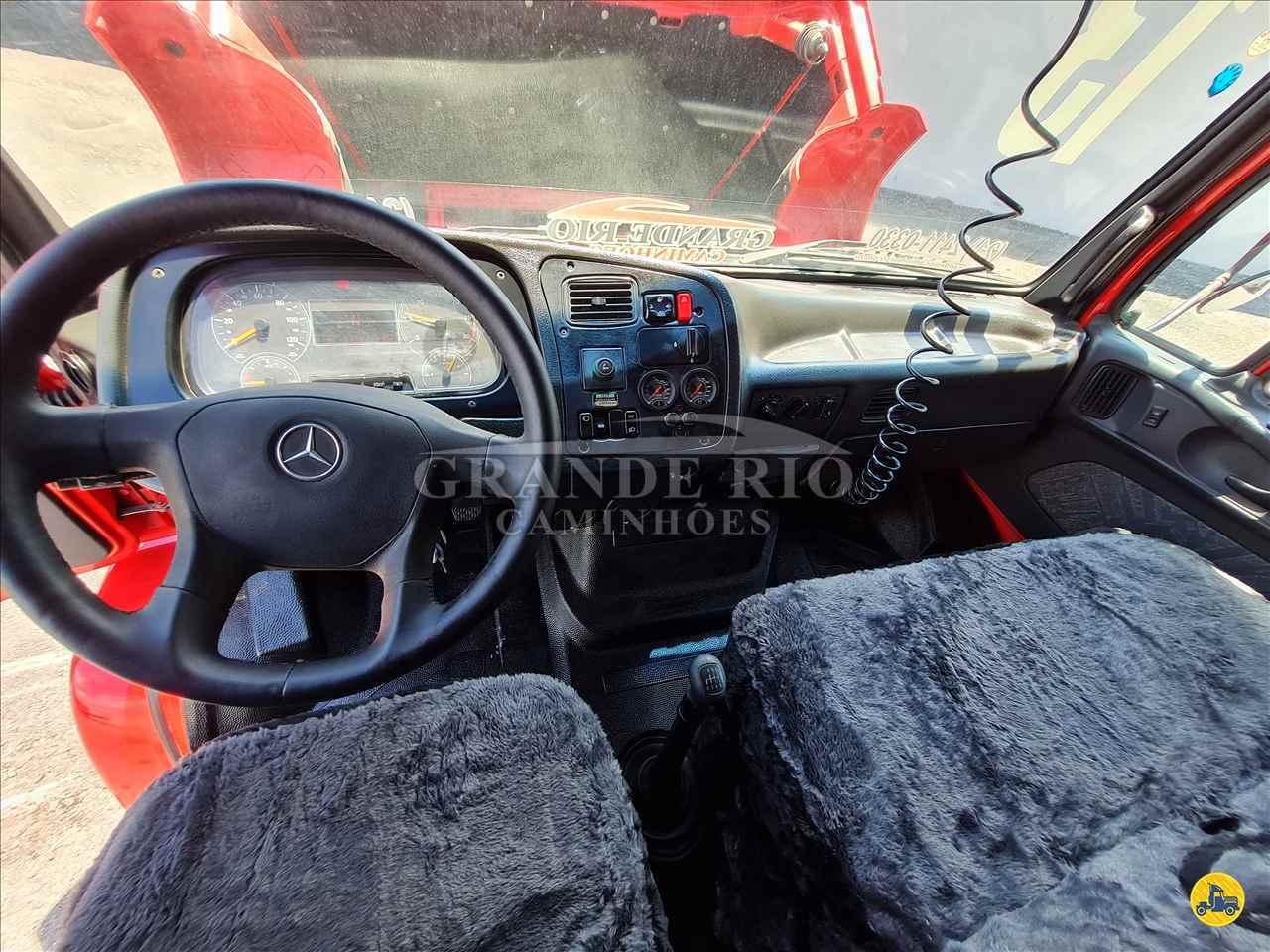 MERCEDES-BENZ MB 2324 617000km 2013/2013 Grande Rio Caminhões