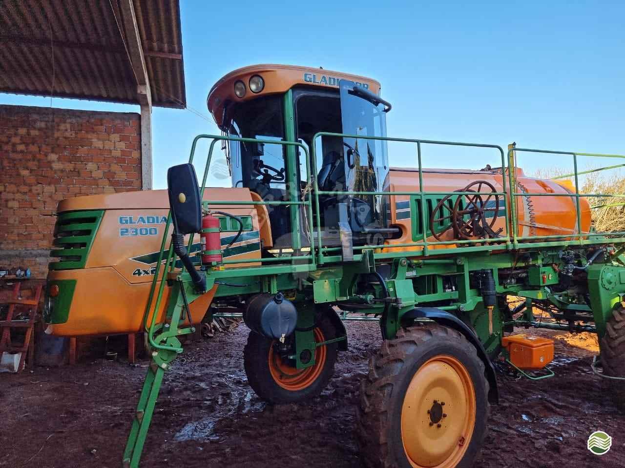 PULVERIZADOR STARA GLADIADOR 2300 Tração 4x2 Terra Mais Implementos Agrícolas TOLEDO PARANÁ PR