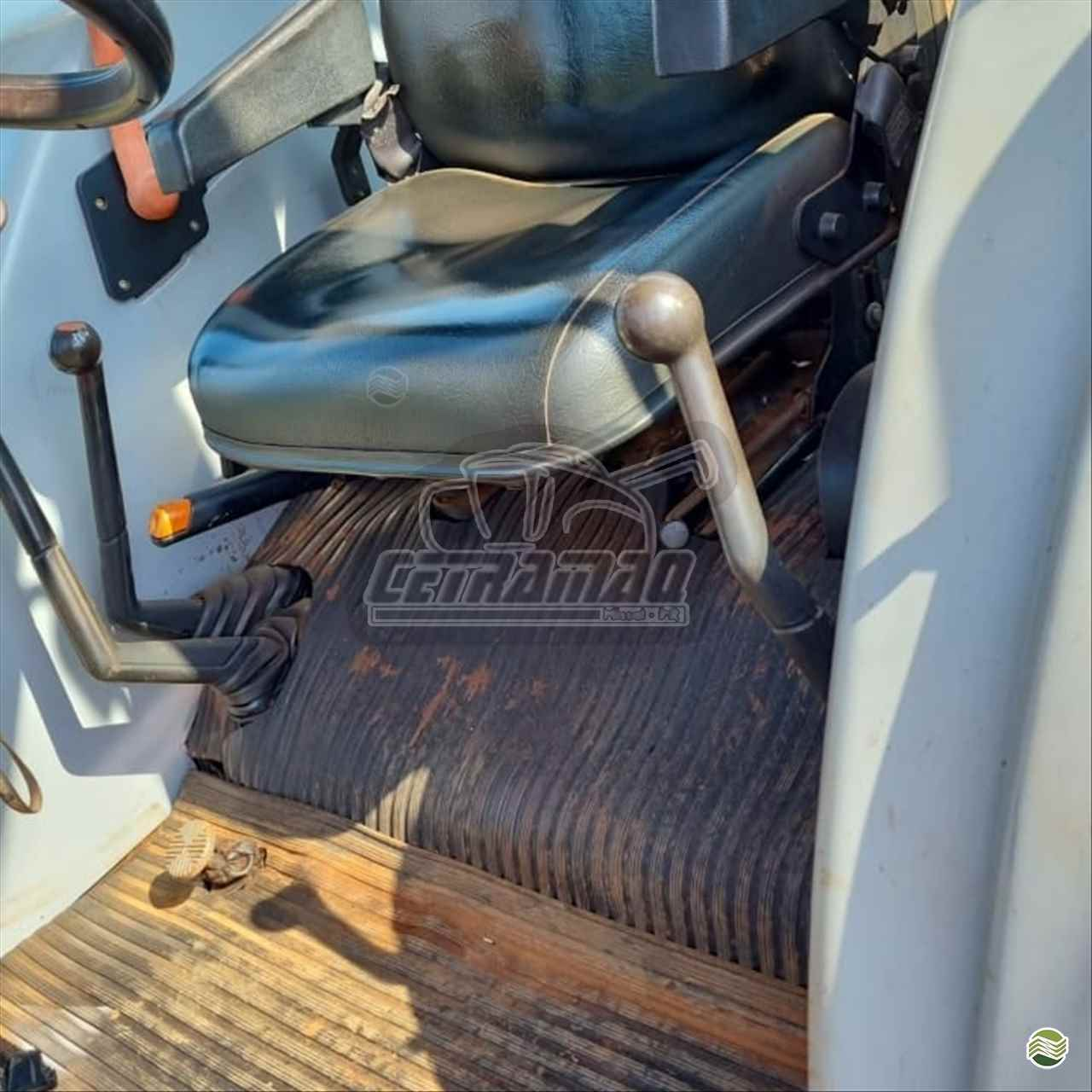 TRATOR NEW HOLLAND NEW TL 85 Tração 4x4 Cetramaq Máquinas MISSAL PARANÁ PR