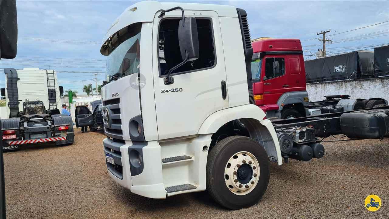 CAMINHAO VOLKSWAGEN VW 24250 Chassis Truck 6x2 Indio Bandeira Caminhões CAMPO MOURAO PARANÁ PR