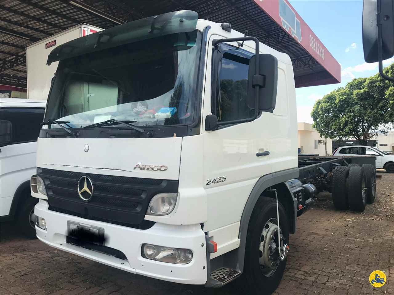 CAMINHAO MERCEDES-BENZ MB 2425 Chassis Truck 6x2 Geraldo Caminhões PATOS DE MINAS MINAS GERAIS MG