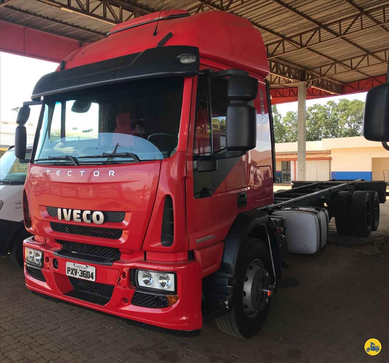 CAMINHAO IVECO TECTOR 240E28 Chassis Truck 6x2 Geraldo Caminhões PATOS DE MINAS MINAS GERAIS MG