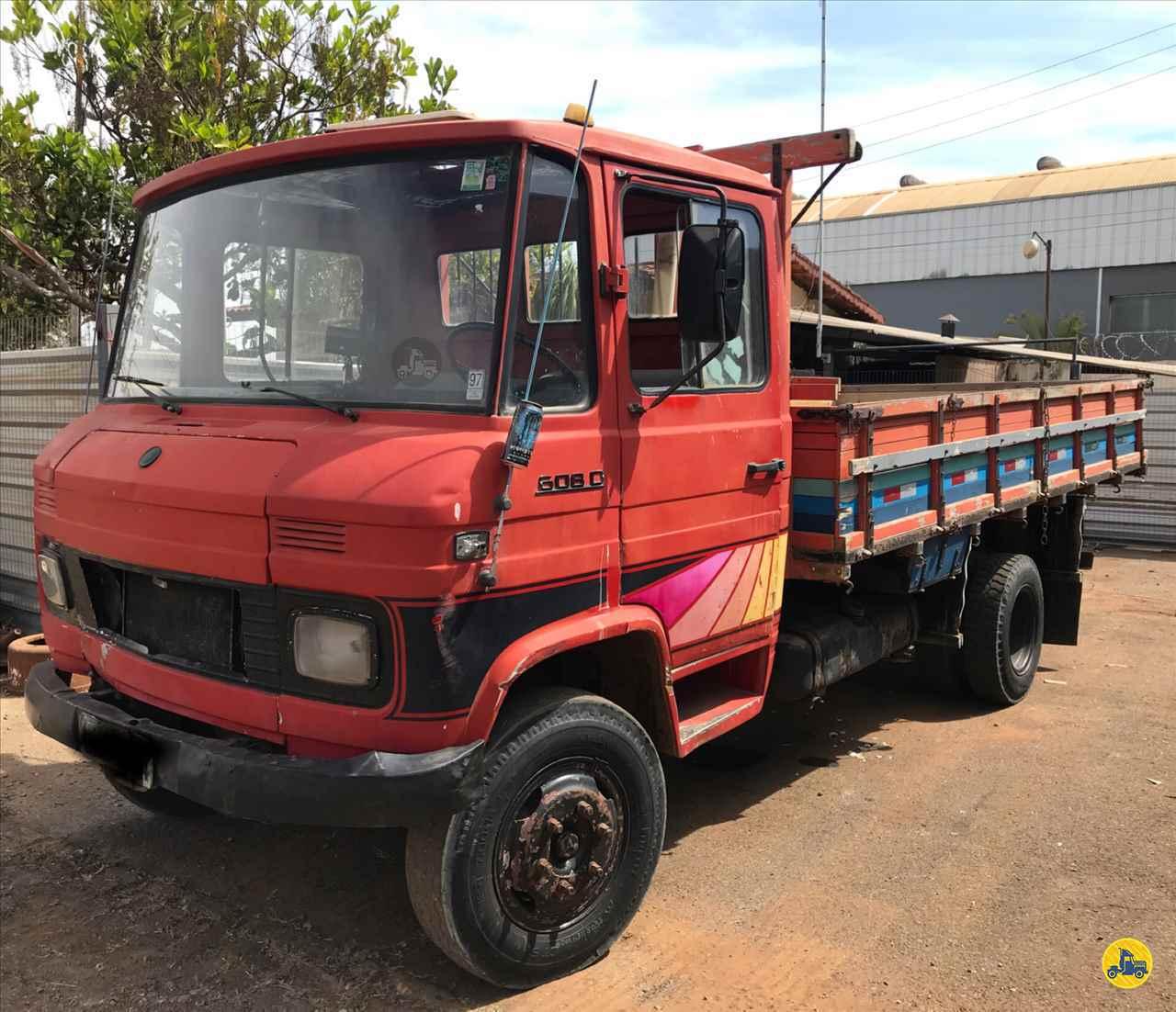 MB 608 de Geraldo Caminhões - PATOS DE MINAS/MG