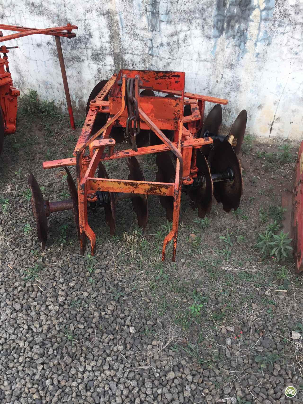 IMPLEMENTOS AGRICOLAS GRADE NIVELADORA GRADE HIDRÁULICA Limeira Tratores LIMEIRA SÃO PAULO SP