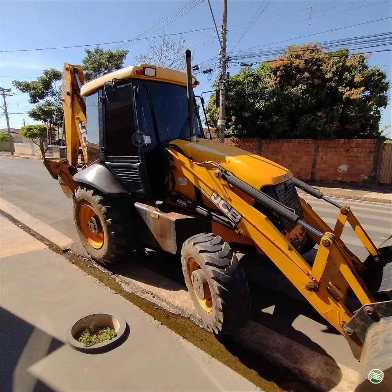 RETRO ESCAVADEIRA JCB 3C Tração 4x4 LNA Máquinas BAURU SÃO PAULO SP