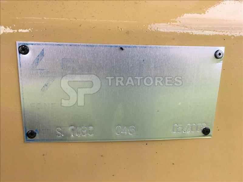 EMBUTIDORA EMBUTIDORA DE SILAGEM  2003 SP Tratores