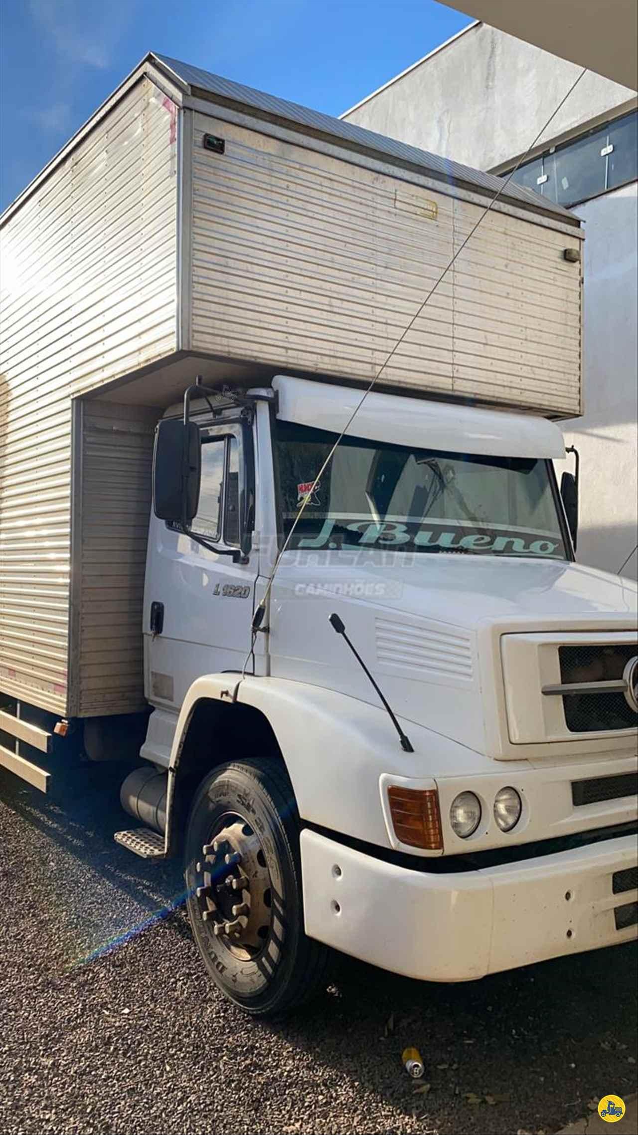 CAMINHAO MERCEDES-BENZ MB 1620 Baú Furgão Truck 6x2 Furlan Caminhões UMUARAMA PARANÁ PR