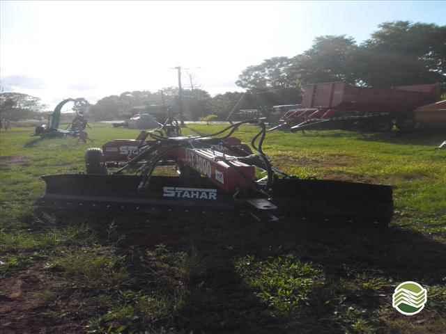 IMPLEMENTOS AGRICOLAS PLAINA NIVELADORA PLAINA DE ARRASTO Starmaq Implementos Agrícolas CRUZ ALTA RIO GRANDE DO SUL RS