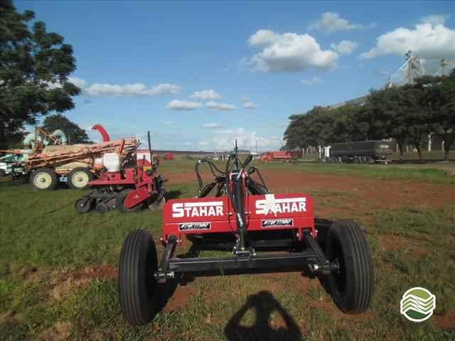 PLAINA NIVELADORA PLAINA DE ARRASTO  2020/2015 Starmaq Implementos Agrícolas