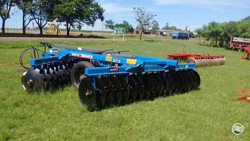 IMPLEMENTOS AGRICOLAS GRADE INTERMEDIÁRIA INTERMEDIÁRIA 32 DISCOS Starmaq Implementos Agrícolas CRUZ ALTA RIO GRANDE DO SUL RS