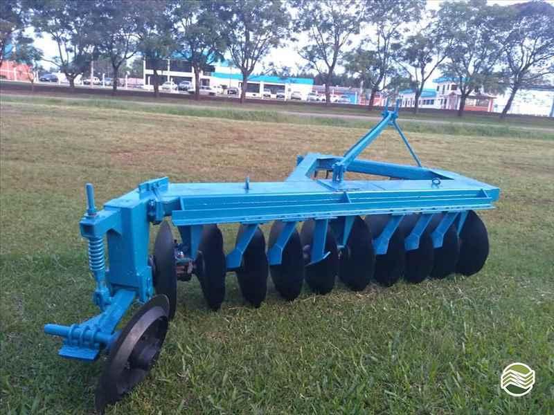 ARADO DE DISCO ARADO FIXO CAPINADOR  2000 Starmaq Implementos Agrícolas