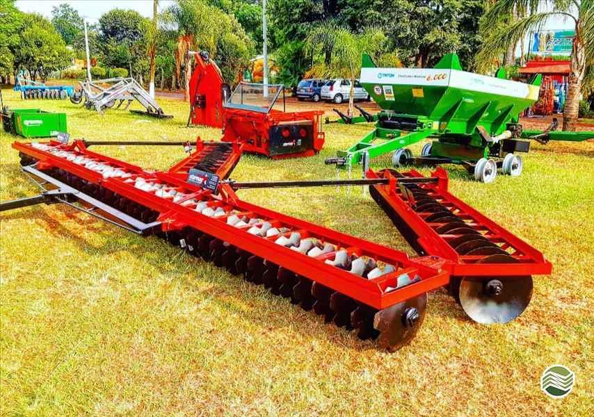 IMPLEMENTOS AGRICOLAS GRADE NIVELADORA NIVELADORA 88 DISCOS Starmaq Implementos Agrícolas CRUZ ALTA RIO GRANDE DO SUL RS