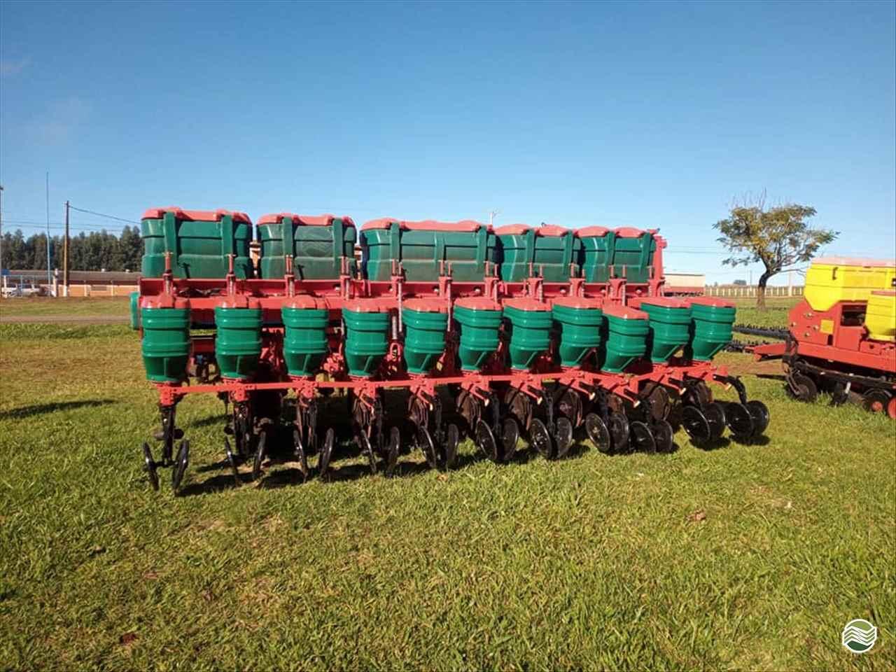 IMPLEMENTOS AGRICOLAS PLANTADEIRA SEMEADEIRA DE CAPIM Starmaq Implementos Agrícolas CRUZ ALTA RIO GRANDE DO SUL RS