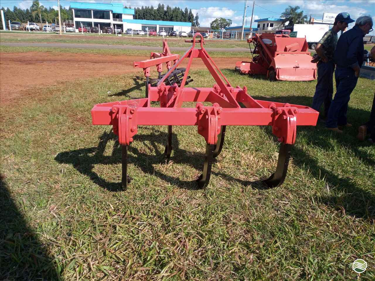 IMPLEMENTOS AGRICOLAS SUBSOLADOR 5 HASTES Starmaq Implementos Agrícolas CRUZ ALTA RIO GRANDE DO SUL RS
