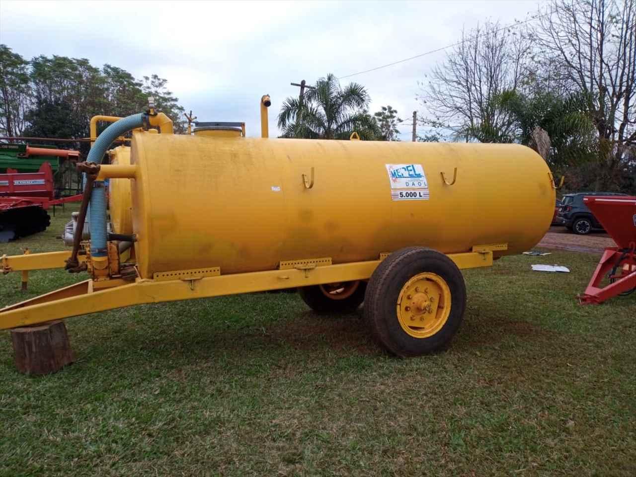IMPLEMENTOS AGRICOLAS DISTRIBUIDOR ADUBO ORGÂNICO LÍQUIDO Starmaq Implementos Agrícolas CRUZ ALTA RIO GRANDE DO SUL RS