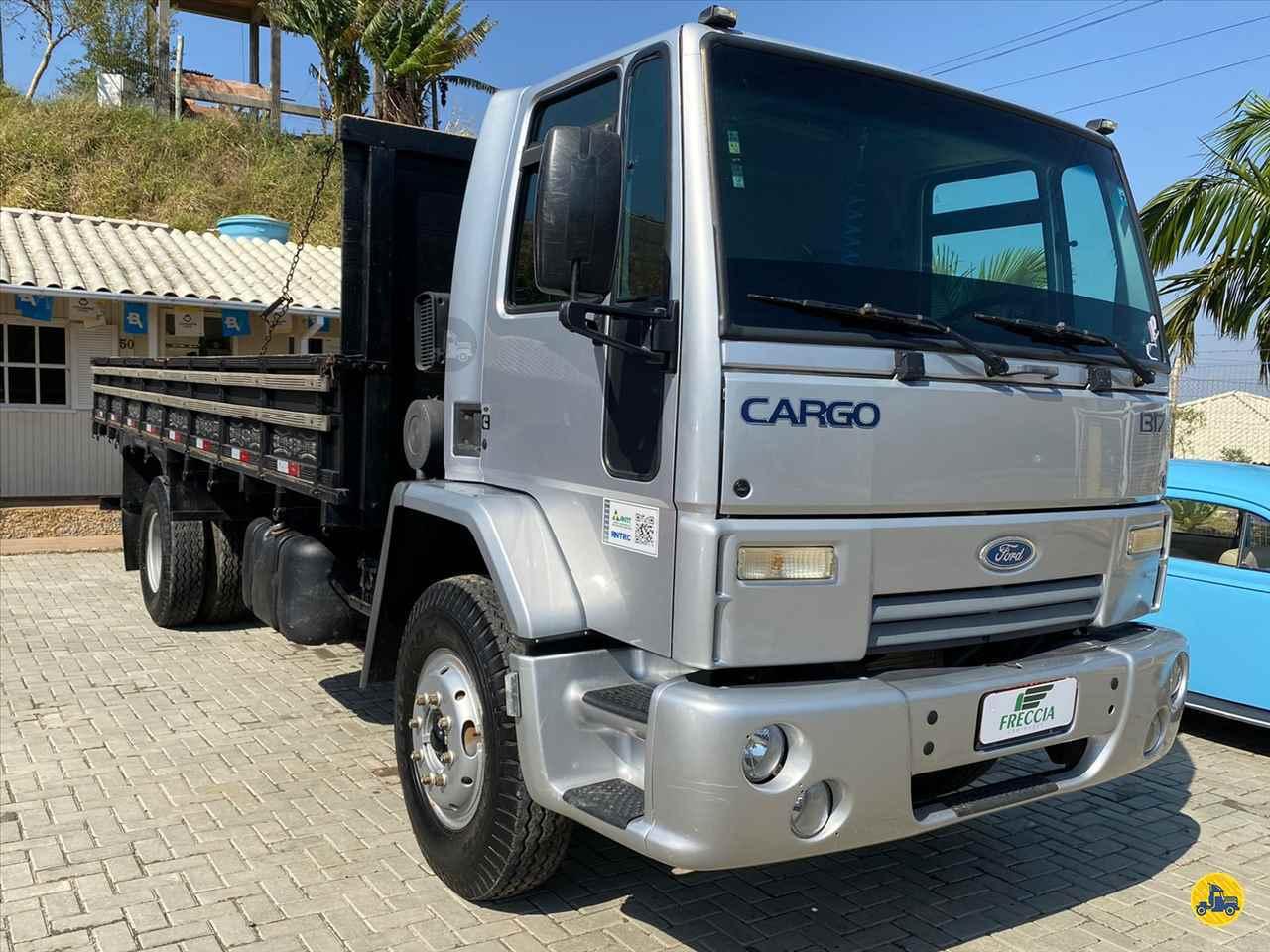 CAMINHAO FORD CARGO 1317 Carga Seca Toco 4x2 Freccia Caminhões JAGUARUNA SANTA CATARINA SC