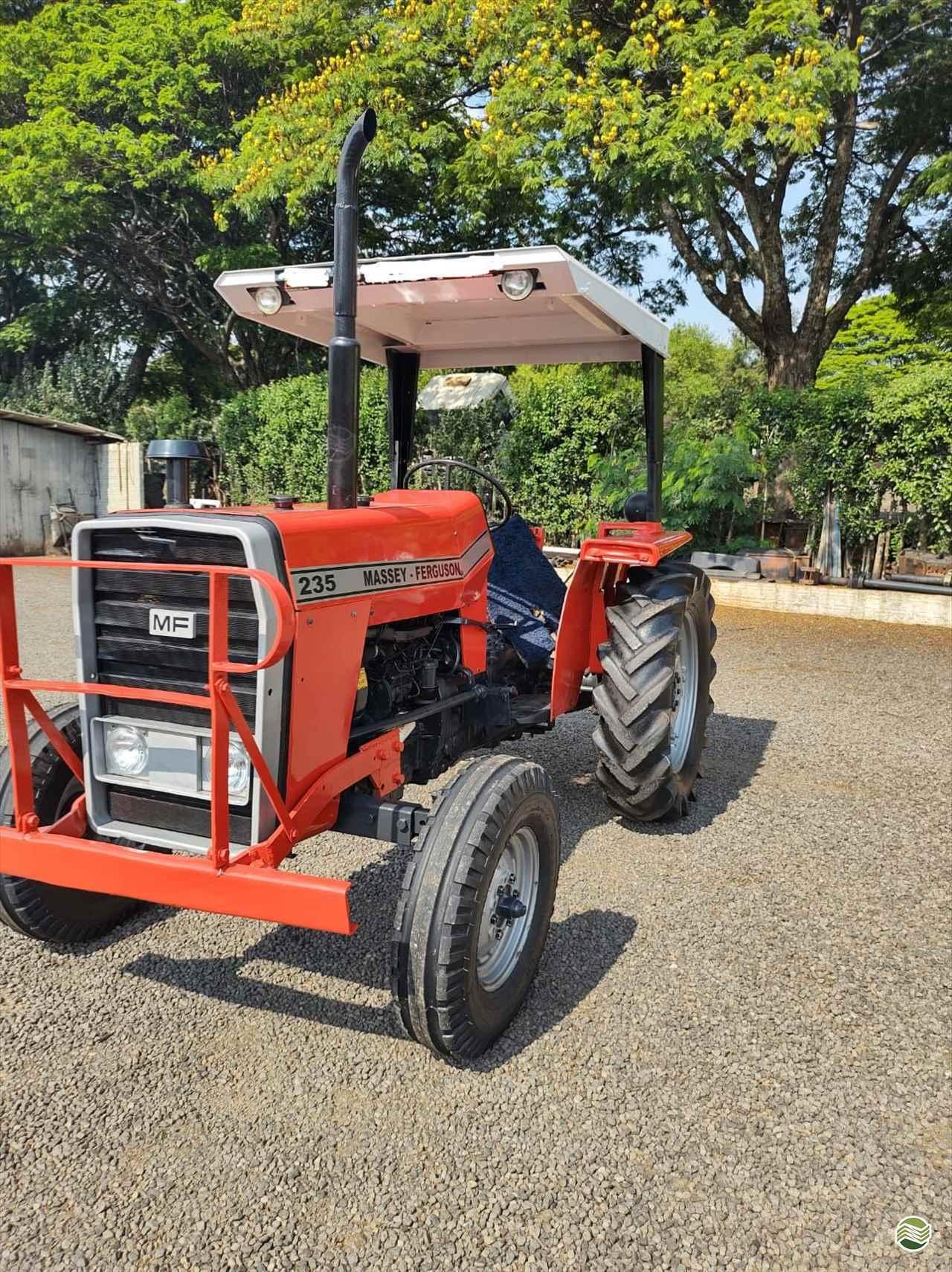 TRATOR MASSEY FERGUSON MF 235 Tração 4x2 Camtrac Máquinas Agrícolas MARIALVA PARANÁ PR