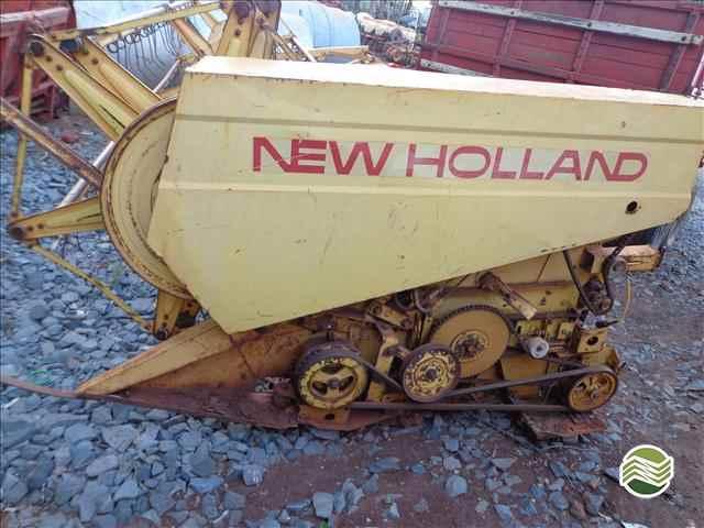 NEW HOLLAND NH 4040  1983/1983 França Implementos