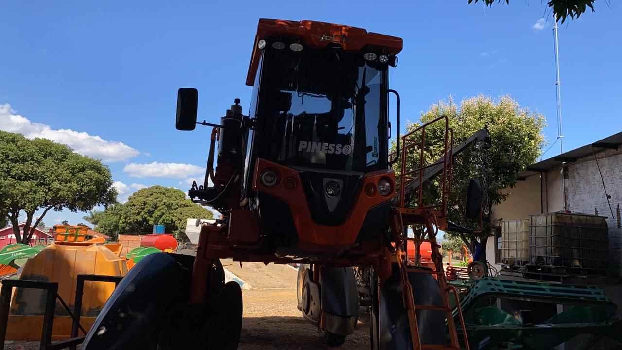 DISTRIBUIDOR AUTOPROPELIDO JACTO UNIPORT 5030 NPK Tração 4x4 Terra Máquinas e Implementos PRIMAVERA DO LESTE MATO GROSSO MT