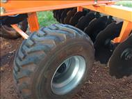 GRADE ARADORA ARADORA 20 DISCOS  2000 Mezenga Máquinas