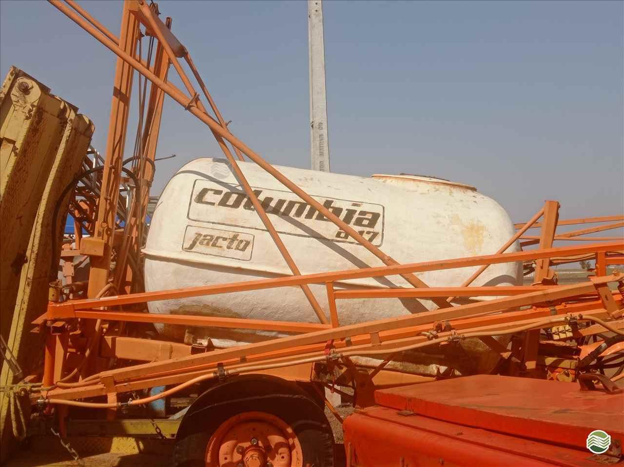 PULVERIZADOR JACTO COLUMBIA A17 Arrasto Mezenga Máquinas DOURADOS MATO GROSSO DO SUL MS