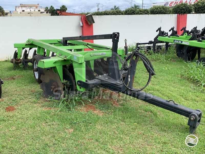 IMPLEMENTOS AGRICOLAS GRADE ARADORA ARADORA 16 DISCOS Supra Máquinas LUCAS DO RIO VERDE MATO GROSSO MT