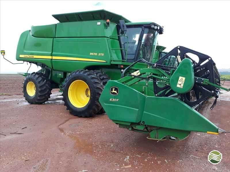 JOHN DEERE JOHN DEERE 9670 STS  2012/2013 GPS Máquinas