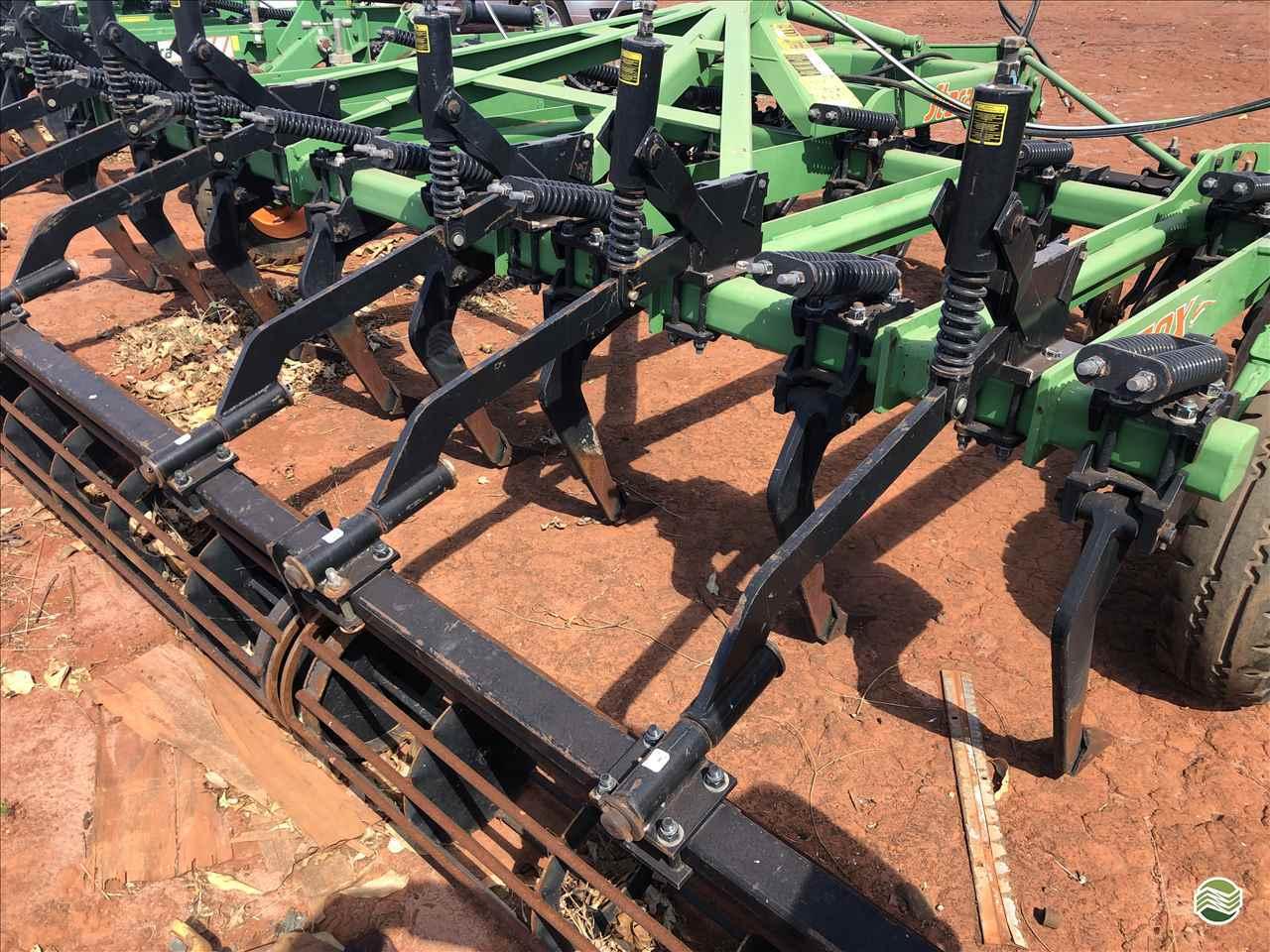 IMPLEMENTOS AGRICOLAS ESCARIFICADOR 15 HASTES DISCO CORTE GPS Máquinas CAMPO VERDE MATO GROSSO MT