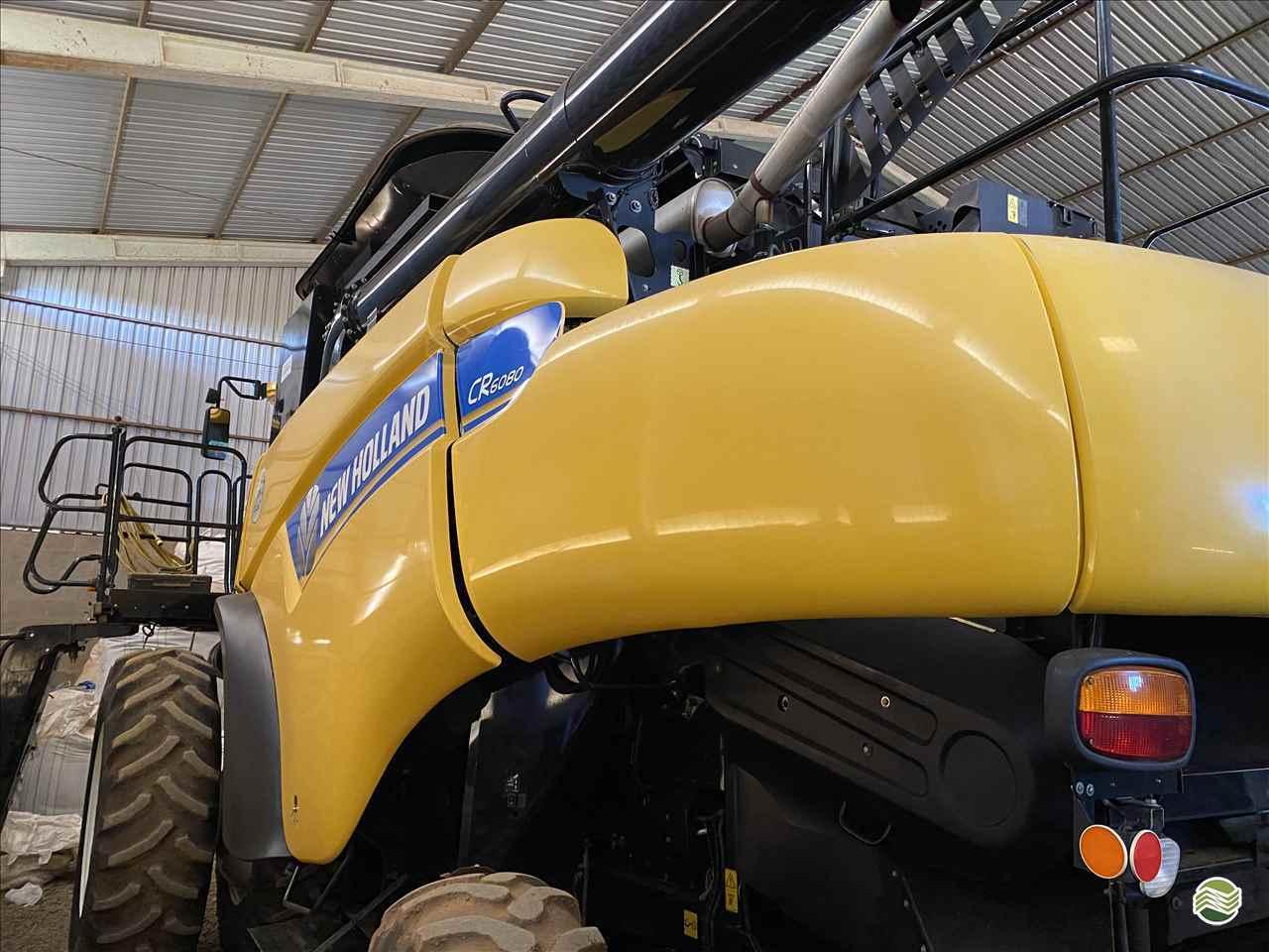 COLHEITADEIRA NEW HOLLAND CR 6080 GPS Máquinas CAMPO VERDE MATO GROSSO MT