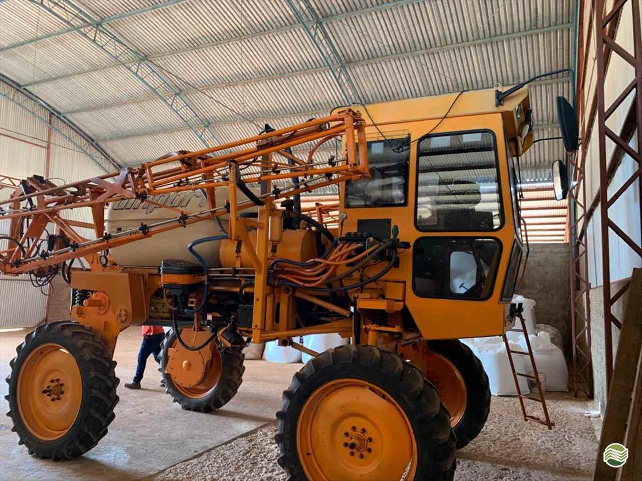 PULVERIZADOR JACTO UNIPORT 2000 Tração 4x2 GPS Máquinas CAMPO VERDE MATO GROSSO MT