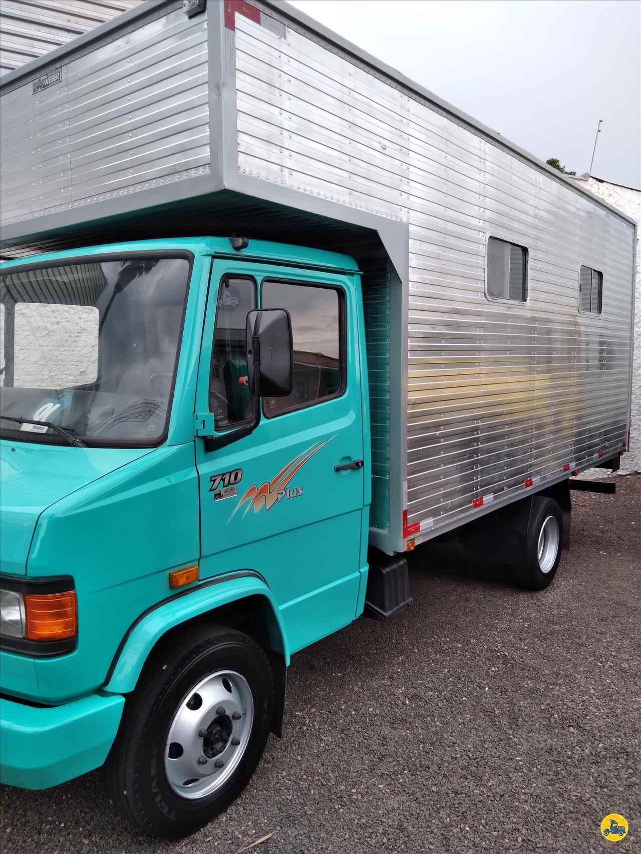 MERCEDES-BENZ MB 710  2001/2001 Adilson Caminhões