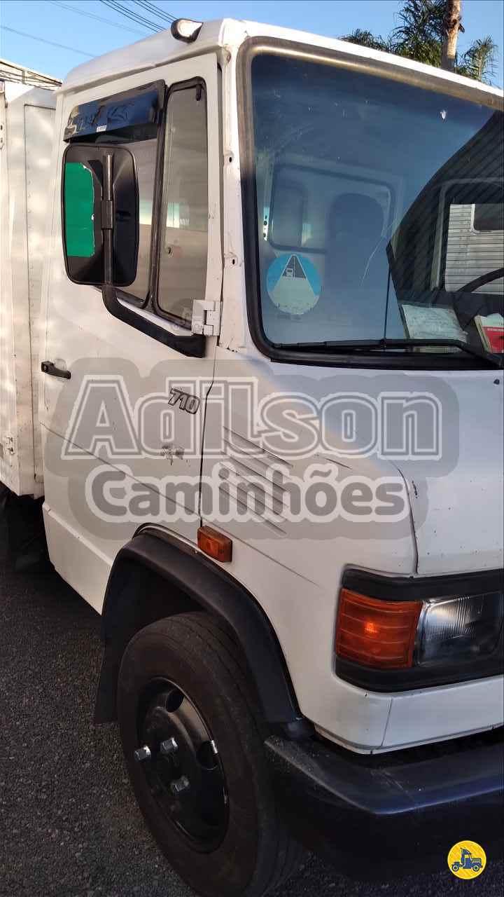 MB 710 de Adilson Caminhões - PORTO ALEGRE/RS