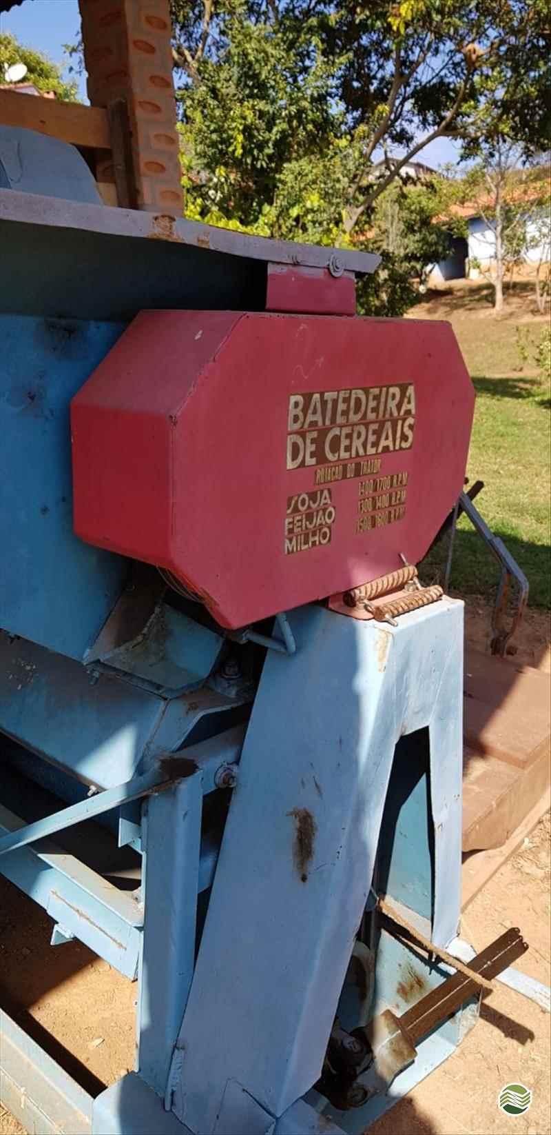 IMPLEMENTOS AGRICOLAS COLHEDORAS BATEDEIRA DE CEREAIS Sumaré Máquinas e Veículos SUMARE SÃO PAULO SP