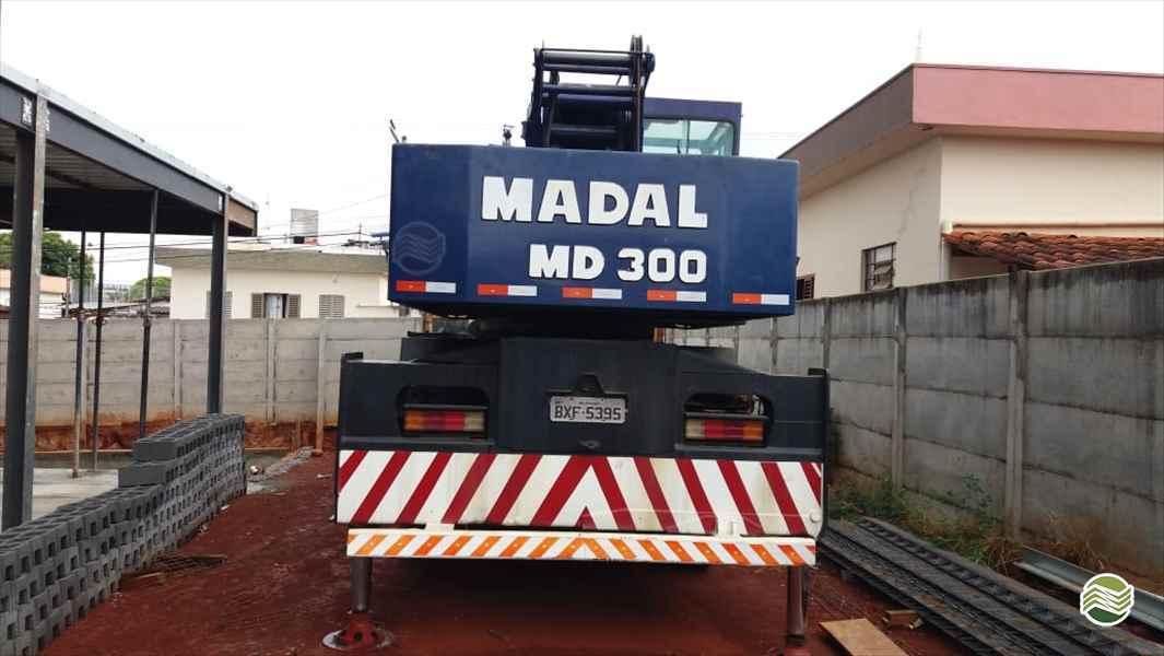PALFINGER MADAL MADAL MD 30  2002/2002 Sumaré Máquinas e Veículos