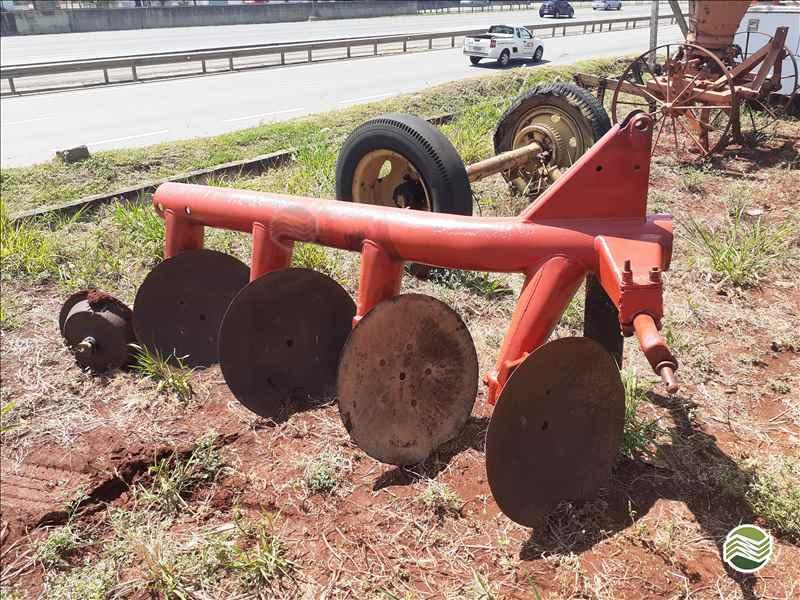 IMPLEMENTOS AGRICOLAS ARADO DE DISCO 4 DISCOS FIXO Sumaré Máquinas e Veículos SUMARE SÃO PAULO SP