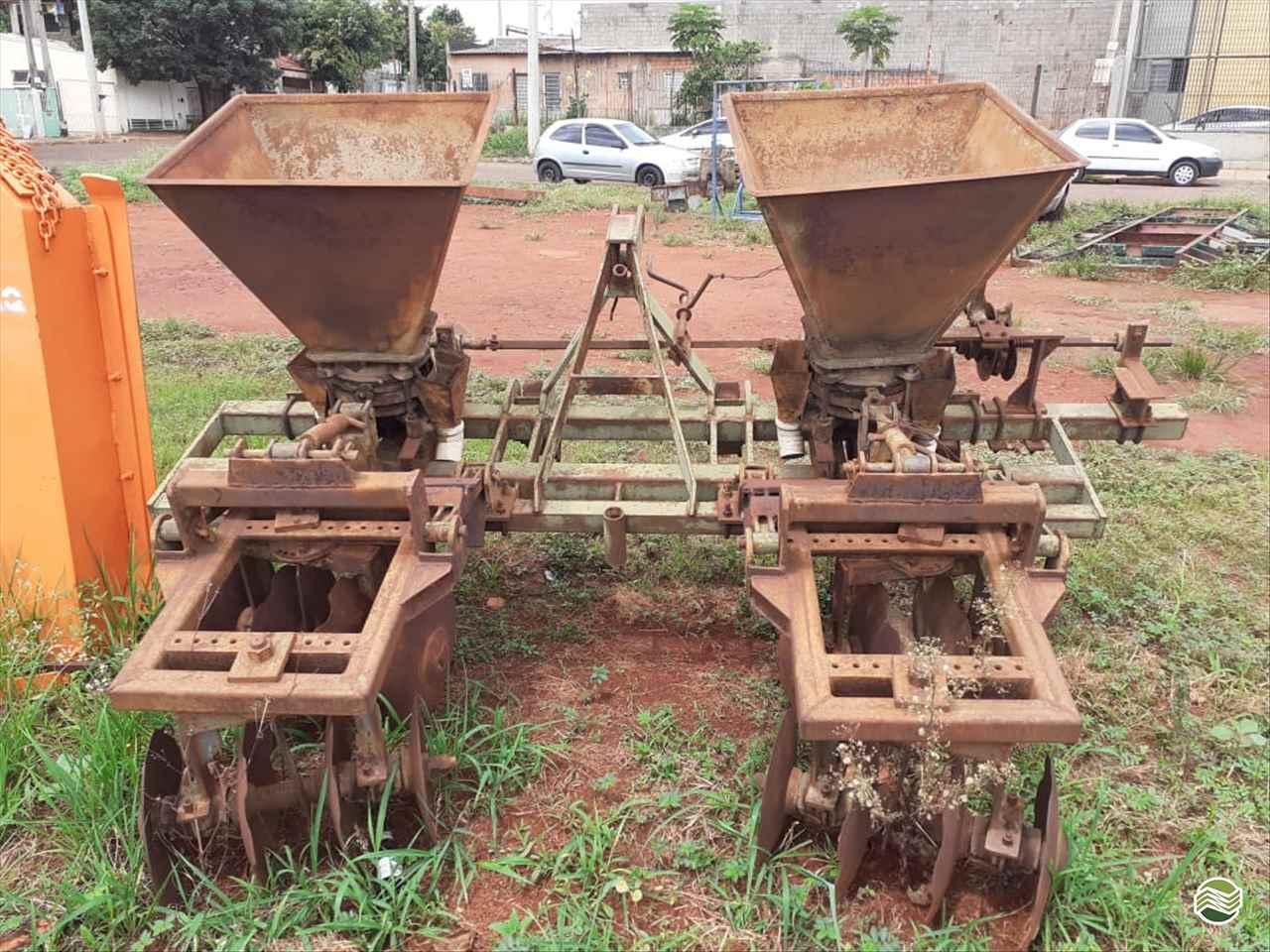 IMPLEMENTOS AGRICOLAS CULTIVADOR 2 LINHAS ADUBADOR Sumaré Máquinas e Veículos SUMARE SÃO PAULO SP